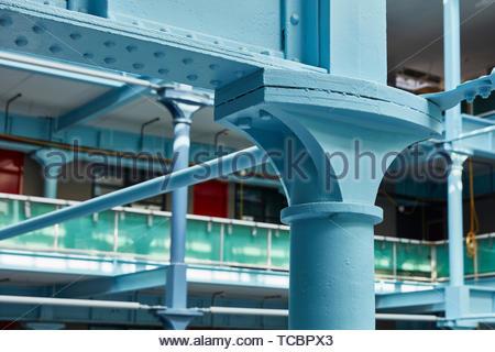 Interni esposti struttura in acciaio dettaglio. Magazzino di Londra, Manchester, Regno Unito. Architetto: Archer Humphreys architetti, 2018. Immagini Stock