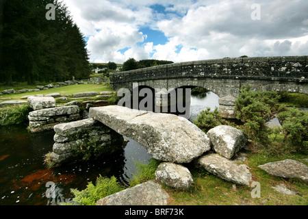 Ponte a Dartmoor,l'Inghilterra,UK Immagini Stock