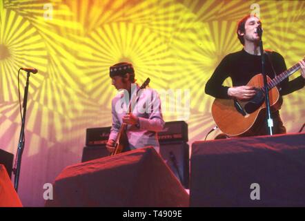 Colori del mare i membri della scena del rock inglese gruppo circa 1997 Immagini Stock