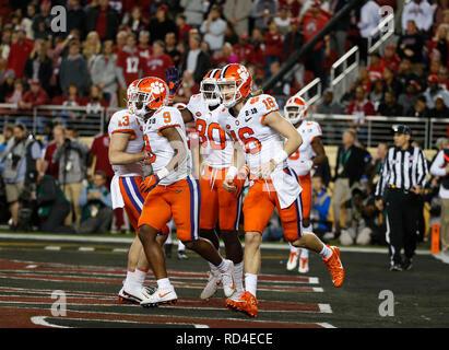 07 gennaio 2019 Clemson Tigers quarterback Trevor Lawrence #16 celebra un touchdown durante il campionato nazionale tra i Clemson Tigers e Alabama Crimson Tide a Levi's Stadium di Santa Clara, California. Charles Baus/CSM Immagini Stock