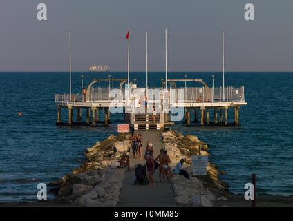 Il Lido di Venezia jetty, regione Veneto, Venezia, Italia Immagini Stock