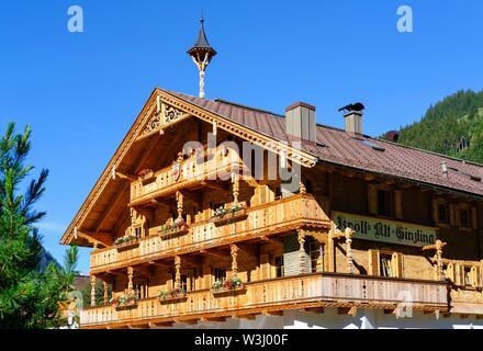 Agriturismo, Inn Alt-Ginzling, Ginzling nei pressi di Mayrhofen, Zillertal, Tirolo, Austria Immagini Stock