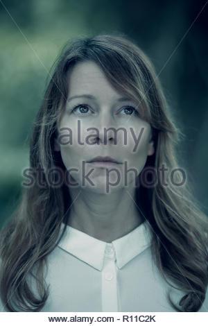 Close-up ritratto di una giovane e bella donna Immagini Stock