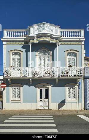 Architettura coloniale in Tavira, Faro, Algarve, PORTOGALLO Immagini Stock