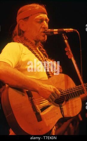 WILLIE NELSON Paese americano un musicista e un attore di pellicola circa 1982 Immagini Stock