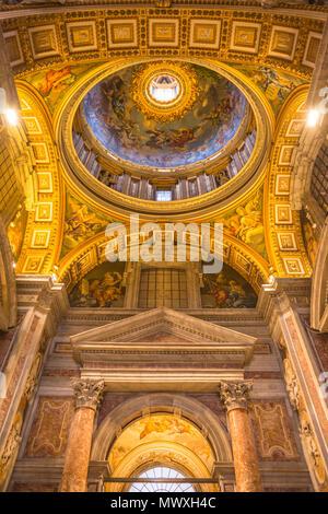 Minor soffitto a cupola dettaglio, Basilica di San Pietro e la Città del Vaticano, Roma, Lazio, l'Italia, Europa Immagini Stock