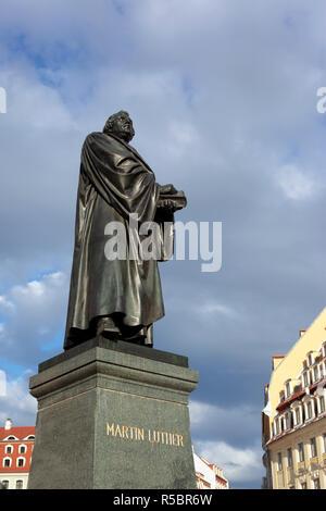 Monumento a Martin Lutero vicino la Frauenkirche di Dresda, Sassonia, Germania Immagini Stock