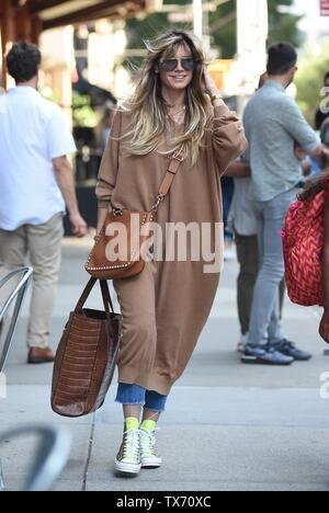 Heidi Klum fuori e circa per celebrità Candids - Ven, , New York, NY Giugno 21, 2019. Foto di: Kristin Callahan/Everett Collection Immagini Stock