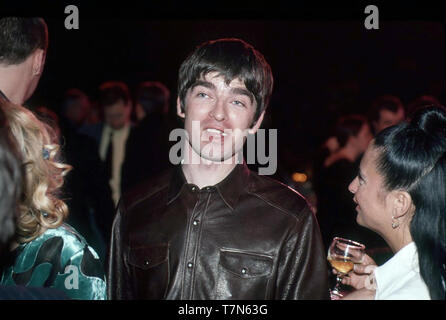 OASIS UK del gruppo rock con Noel Gallagher nel febbraio 1996 Immagini Stock