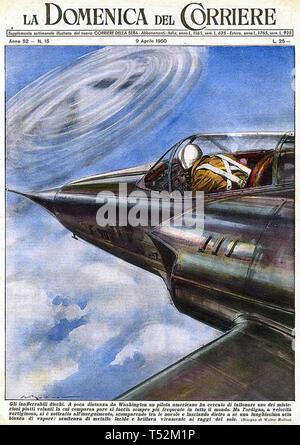 UFO di un immaginario incontro americano con un UFO come indicato sulla copertina della rivista italiana il 9 aprile 1950 Immagini Stock