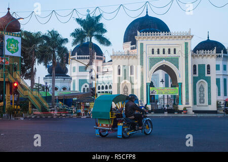 Indonesia, Sumatra, Medan, Grande moschea Immagini Stock