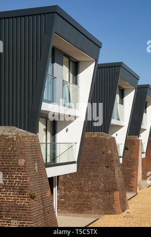 Vista dettagliata dell'alloggiamento. Priddys Hard, Gosport, Regno Unito. Architetto: John Pardey architetti, 2019. Immagini Stock