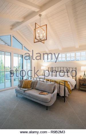 Home Vetrina interno camera con soffitto a volta Immagini Stock