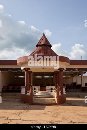 Agni-indenie royal court trono area, Comoé, Abengourou, Costa d'Avorio Immagini Stock