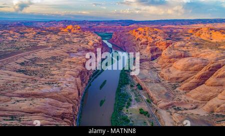Il fiume Colorado immettendo il portale, Moab, Utah Valley ebyond Immagini Stock