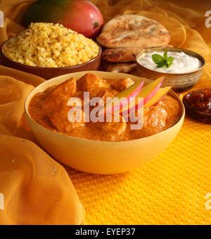 INDIAN MANGO pollo al curry pasto Immagini Stock