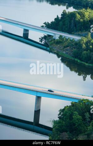 Vista aerea del ponte sul fiume Immagini Stock