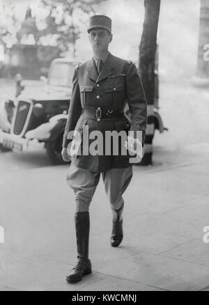 Il generale de Gaulle a Londra, arrivando presso il suo ufficio di Londra. Giugno 25, 1940. Egli è stato il Immagini Stock