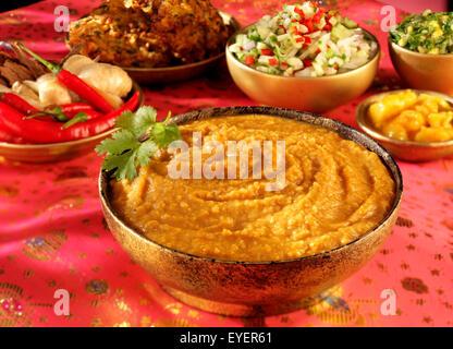 DAAL indiano piatto di servizio Immagini Stock