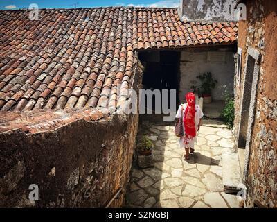 Un messicano passeggiate turistiche in una casa-museo di Aljustrel, Fatima, Portogallo Immagini Stock