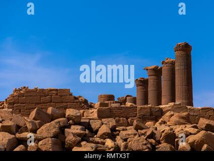 Le colonne nel grande contenitore in Musawwarat es-sufra meroitic tempio complesso, la Nubia, Musawwarat es-Sufra, Sudan Immagini Stock