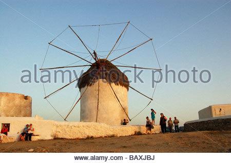 Mulini a vento di Mykonos in Grecia Immagini Stock