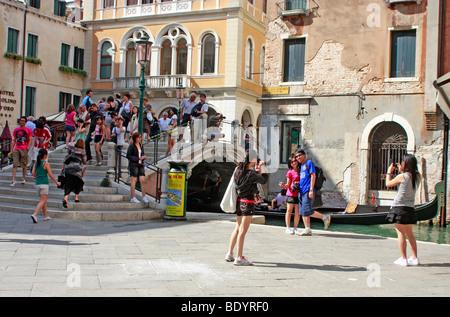 Venezia ,Venezia,offre un ambiente meraviglioso per turisti di fotografie con i suoi canali, ponti e gli edifici Immagini Stock