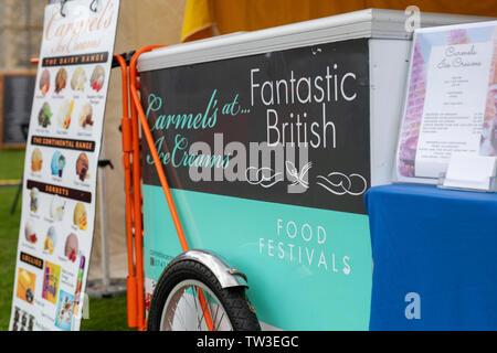 Fantastico cibo britannico festival segno su un carrettino al Parco Stonor food festival. Stonor, Henley-on-Thames, Oxfordshire, Inghilterra Immagini Stock