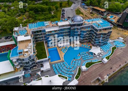 Antenna di elevata shot di nemo hotel e delfinario alla spiaggia langeron Odessa Ucraina Immagini Stock