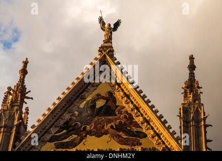 Dettagli architettonici di una cattedrale, Cattedrale di Siena, Siena, in provincia di Siena, Toscana, Italia Immagini Stock