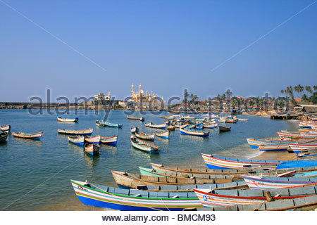 Barche da pesca alla porta di VIZHINJAM, Kerala Immagini Stock