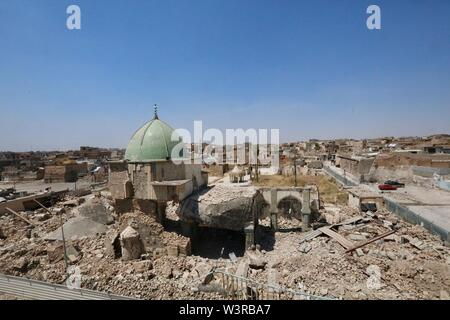 (190717) -- di Mosul, luglio 17, 2019 (Xinhua) -- Fotografia scattata a luglio 14, 2019 mostra la distrutta al-Nuri moschea nella città vecchia di Mosul, Iraq. La guerra per liberare l Iraq di Mosul da uno Stato islamico (SI) gruppo militante ha ottenuto la vittoria per due anni, ma le sue gravi impatti ancora pesare sui residenti della città. Un grassroots campagna di raccolta fondi è stato avviato in cinese social media con schiacciante solidarietà, puntando a portare speranza alla guerra-ridden famiglie in Iraq di Mosul. Per andare con 'Funzione: Cinese grassroots donazioni portare speranza alla guerra-ridden famiglie in Iraq di Mosul' (Xinhua/ Immagini Stock