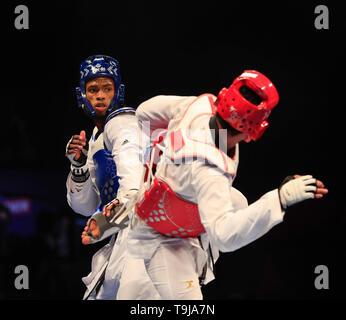 Manchester, Regno Unito. Il 19 maggio 2019. Taekwondo Campionati del mondo; Rafael Alba (CUB) sul suo modo di vincere la 87kg del campionato del mondo di Final Bout contro Carlos Sansores (MEX) Credit: Azione Plus immagini di sport/Alamy Live News Immagini Stock