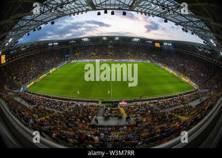 Dresden, Germania. 16 Luglio, 2019. Calcio, test match, SG Dynamo Dresden - Paris Saint-Germain, nel Rudolf-Harbig-Stadium. Visualizzare nello stadio. Credito: Robert Michael/dpa-Zentralbild/dpa/Alamy Live News Immagini Stock
