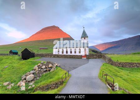 Chiesa di Vidareidi, Vidoy Isola, Isole Faerøer, Danimarca, Europa Immagini Stock