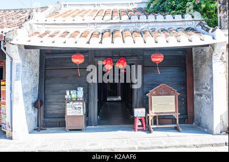 Vecchia casa di Quan Thang, antica città di Hoi An, Vietnam. Questa casa risale alla fine del XVII secolo. Essa è stata costruita da un mercante cinese e uno o Immagini Stock