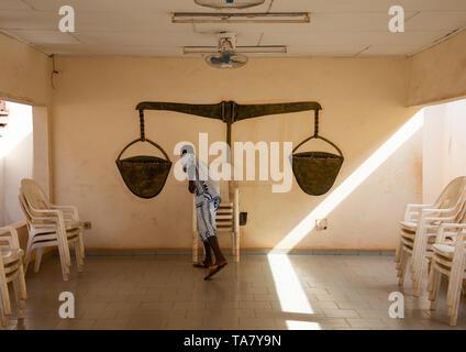 La giustizia in camera il Agni-indenie royal court, Comoé, Abengourou, Costa d'Avorio Immagini Stock