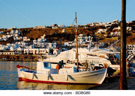 Un porto di Mykonos in Grecia Immagini Stock