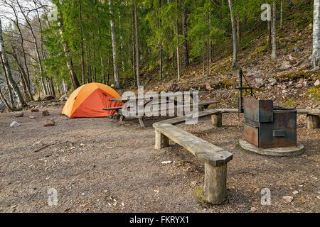 Public area picnic in Repovesi National Park, Finlandia. Immagini Stock