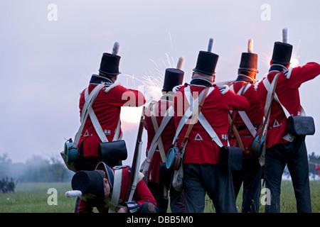 Canada,Ontario,Stoney Creek, la guerra del 1812, la battaglia di Stoney Creek, le truppe britanniche sparando moschetti Immagini Stock