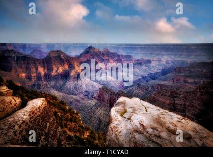 Vista del Grand Canyon dal Bright Angel Point. Bordo settentrionale del Parco Nazionale del Grand Canyon, Arizona Immagini Stock