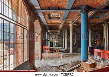 Pilastri e lavori di costruzione. Magazzino di Londra, Manchester, Regno Unito. Architetto: Archer Humphreys architetti, 2018. Immagini Stock