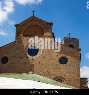 Chiesa Collegiata di San Gimignano e Piazza del Duomo, San Gimignano, Siena, in provincia di Siena, Toscana, Italia Immagini Stock