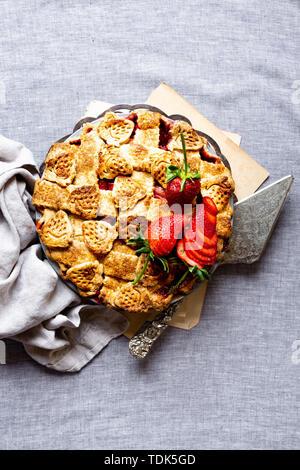 Fragole e rabarbaro torta Immagini Stock