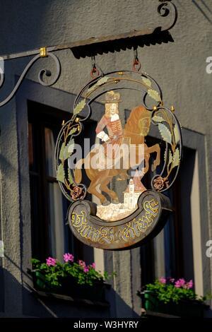Zum Breiterle, appeso shop segno, inn segno, Rothenburg ob der Tauber, Media Franconia, Franconia, Baviera, Germania Immagini Stock