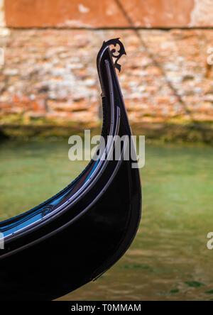 Gondola bow, della Regione del Veneto, Venezia, Italia Immagini Stock