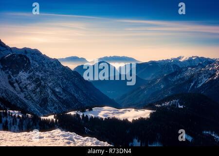 Coperta di neve riserva naturale, Madonna di Campiglio, Trentino Alto Adige, Italia Immagini Stock