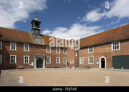 Il courtyard stabile a Osterley, Middlesex. Una stabile esisteva qui in Elizabethan volte ma gli edifici attuali Immagini Stock