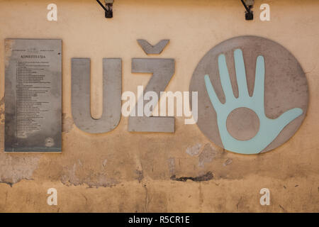La Lituania, Vilnius, Area Uzupis, Bohemian Vilnius, Repubblica di Uzupis costituzione Immagini Stock