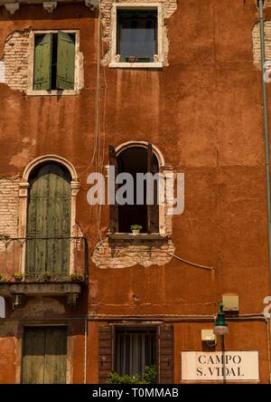 Gli edifici colorati, della Regione del Veneto, Venezia, Italia Immagini Stock